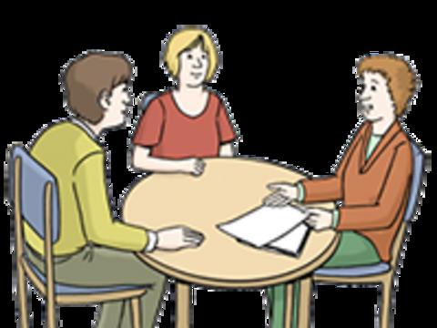 Drei Menschen im Dialog